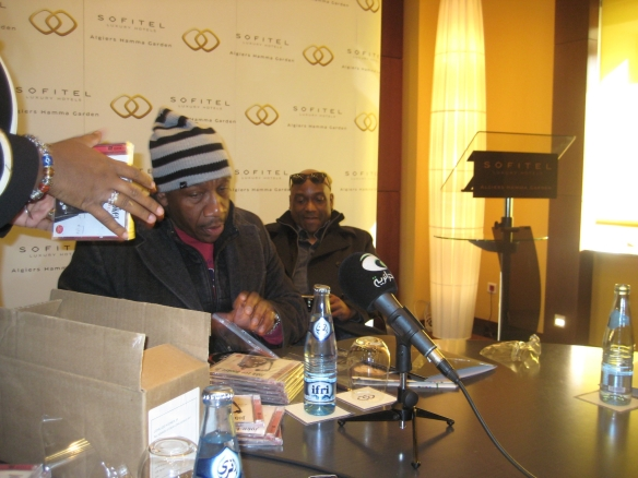 John Lee Hooker Jr offering  CDs at the press conference held, friday , januaray 4, 2013 at the Sofitel hotel in Algiers-Copyright: El Watan